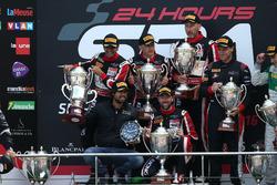 I vincitori della classe AM: #888 Kessel Racing, Ferrari F458 Italia GT3: Marco Zanuttini, Liam Talbot, Vadim Glitin, Nicola Cadei