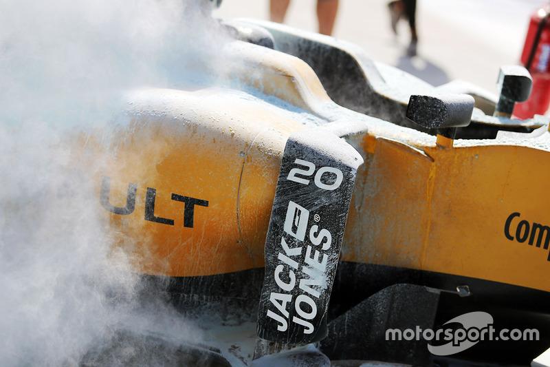 The burned car of Kevin Magnussen, Renault Sport F1 Team RS18
