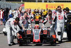 Esteban Gutierrez, Haas F1 Team VF-16 sur la grille