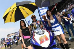 Decha Kraisart with grid girl