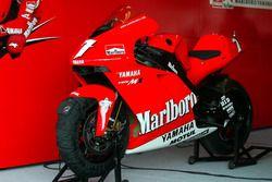 La moto de Carlos Checa, Marlboro Yamaha Team