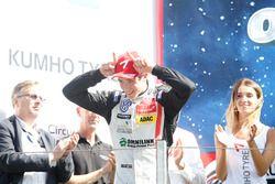 Yarış galibi Joel Eriksson, Motopark Dallara F316 – Volkswagen
