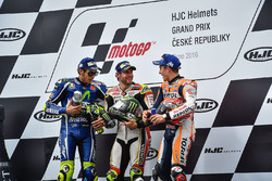 Podium: Sieger Cal Crutchlow, Team LCR, Honda; 2. Valentino Rossi, Yamaha Factory Racing; 3. Marc Ma