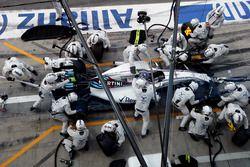 Valtteri Bottas, Williams FW38 Mercedes, makes a pit stop