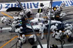 Valtteri Bottas, Williams FW38 Mercedes, makes a pit stop