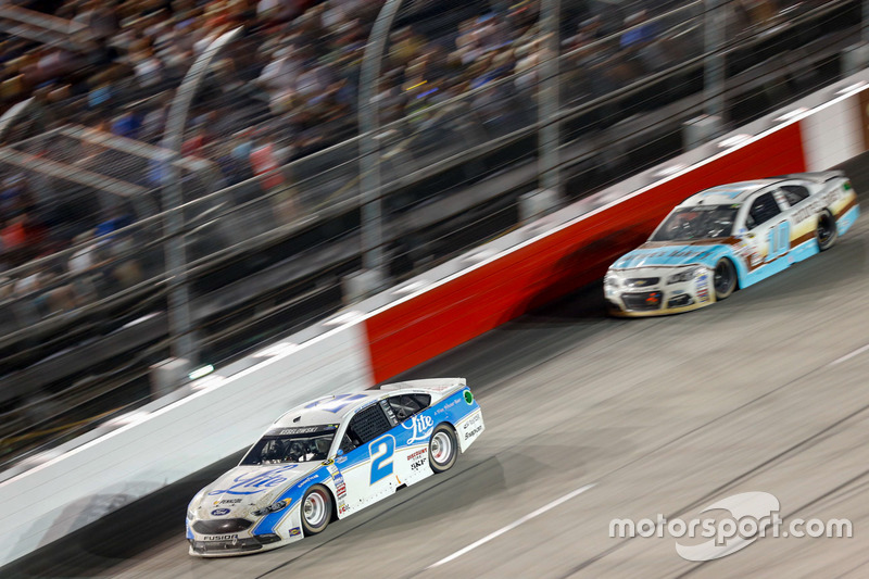 Brad Keselowski, Team Penske Ford, Danica Patrick, Stewart-Haas Racing Chevrolet