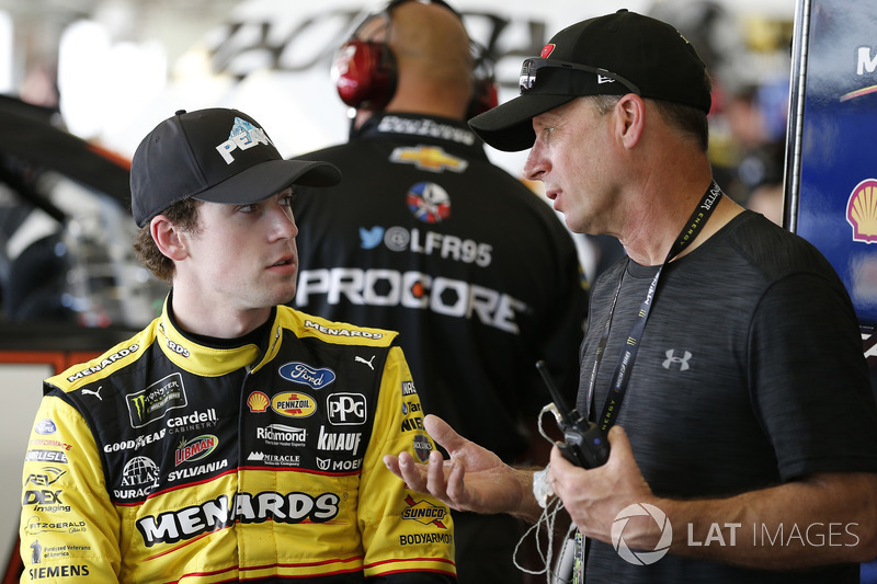 Ryan Blaney, Team Penske, Menards/Peak Ford Fusion and Dave Blaney