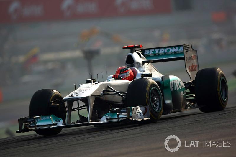 2011: Mercedes - 8º lugar, 76 puntos, 19 GPs