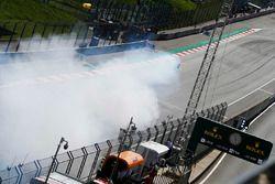 Nico Hulkenberg, Renault Sport F1 Team R.S. 18, suffers a blown engine