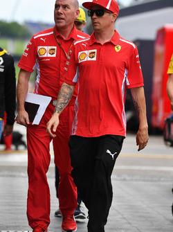 Luiz Razia, et Jock Clear, ingénieur en chef de Ferrari
