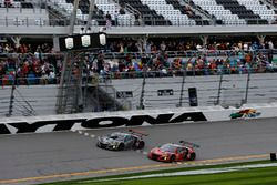 Checkered flag for #86 Michael Shank Racing Acura NSX: Katherine Legge, Alvaro Parente, Trent Hindma