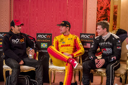 Helio Castroneves, Ryan Hunter-Reay en Josef Newgarden backstage