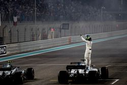 Felipe Massa, Williams, saluta la folla