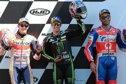 Ganador de la pole Johann Zarco, Monster Yamaha Tech 3, segundo lugar Marc Márquez, Repsol Honda Team, tercer lugar Danilo Petrucci, Pramac Racing