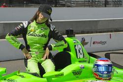 Danica Patrick duck face durante las fotos de calificación, Ed Carpenter Racing Chevrolet