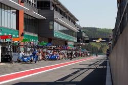 Le logo Motorsport.com dans la voie des stands