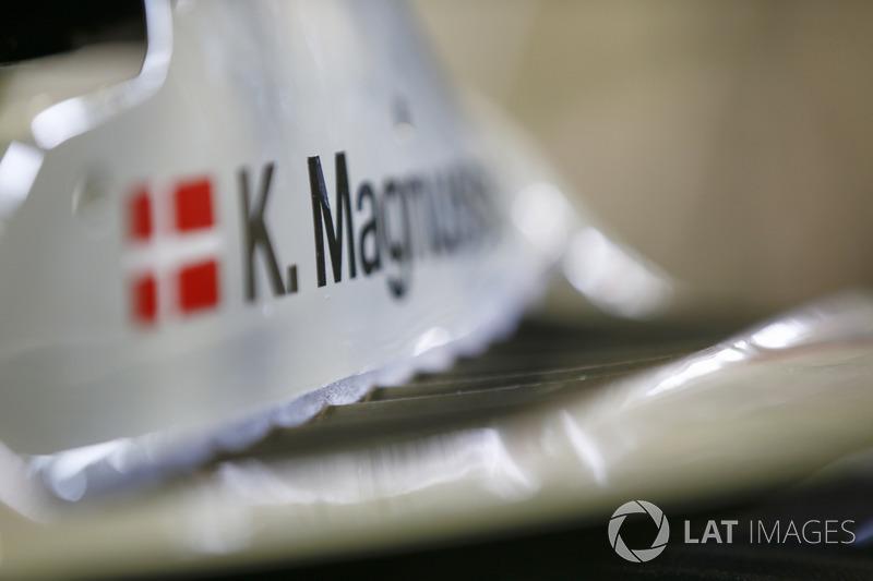 Dettaglio dell'abitacolo di Kevin Magnussen, Haas F1 Team, VF-18 Ferrari