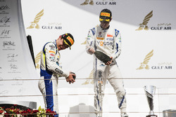 Podium: second place Sergio Sette Camara, Carlin, Race winner Lando Norris, Carlin