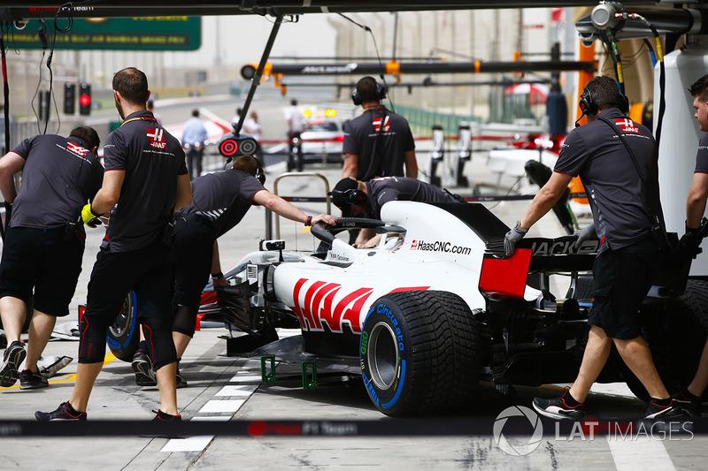 10. Romain Grosjean, Haas-Ferrari VF-18