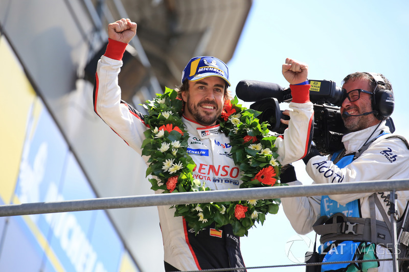 Overall podium: winner Fernando Alonso, Toyota Gazoo Racing