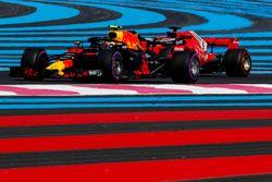 Max Verstappen, Red Bull Racing RB14 et Sebastian Vettel, Ferrari SF71H