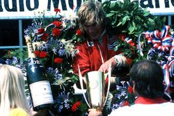 El ganador James Hunt, McLaren