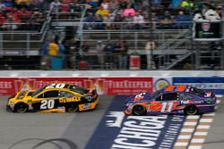 Erik Jones, Joe Gibbs Racing, Toyota Camry DeWalt Denny Hamlin, Joe Gibbs Racing, Toyota Camry FedEx