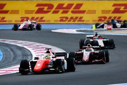 Roberto Merhi, MP Motorsport e Sean Gelael, PREMA Racing