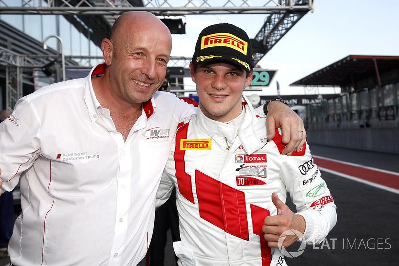 Pole position para #1 Belgian Audi Club Team WRT Audi R8 LMS: Dries Vanthoor con Vincent Vosse, Team principal WRT