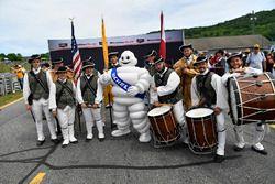 Pre-race band