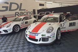 Le Porsche 911 GT3 Cup del team GDL Racing, nel paddock