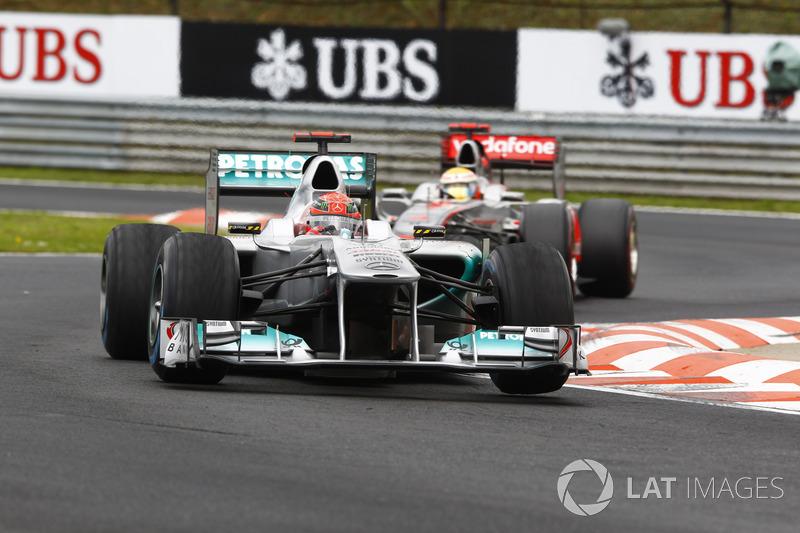 Michael Schumacher, Mercedes AMG F1 W02, Lewis Hamilton, McLaren MP4-26