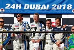 Podio TCR: ganadores de la carrera #130 Liqui Moly Team Engstler Volkswagen Golf GTi TCR: Luca Engst