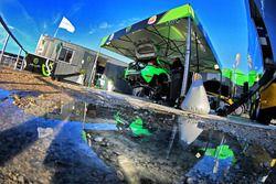 De wagen van Yazeed Al Rajh, Michael Orr, Yazeed Racing Ford Fiesta RS WRC
