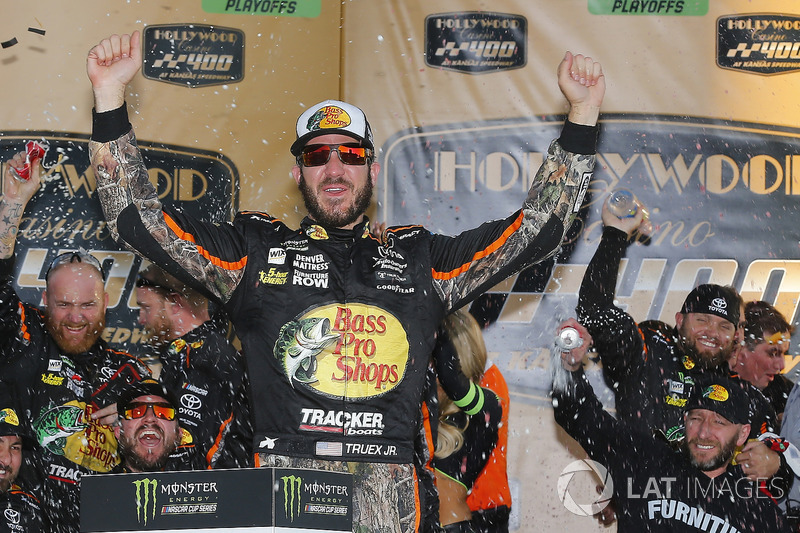 Kansas City (Kansas): Martin Truex Jr. (Funiture-Row-Toyota)