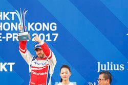 Podio: il terzo classificato Nick Heidfeld, Mahindra Racing