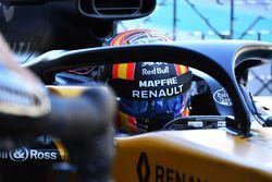 Карлос Сайнс-мл., Renault Sport F1 Team RS17
