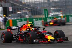 Max Verstappen, Red Bull Racing RB14, Daniel Ricciardo, Red Bull Racing RB14