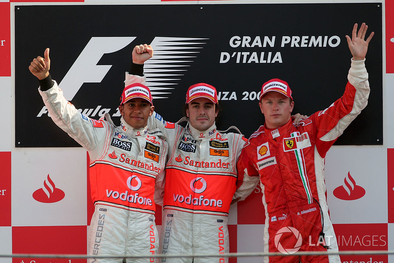 Podium: race winner Fernando Alonso, McLaren, second place Lewis Hamilton, McLaren and third place Kimi Raikkonen, Ferrari