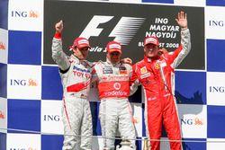 Podio: Timo Glock, Toyota Racing, Heikki Kovalainen, McLaren, Kimi Raikkonen, Ferrari