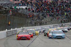 Kevin Harvick, Stewart-Haas Racing, Ford Fusion Busch Light inicio de bandera verde