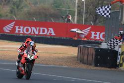 Checkered flag Chaz Davies, Aruba.it Racing-Ducati SBK Team