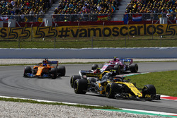 Carlos Sainz Jr., Renault Sport F1 Team R.S. 18, Charles Leclerc, Sauber C37, Fernando Alonso, McLaren MCL33 and Esteban Ocon, Force India VJM11