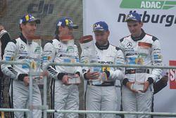 Подиум: третье место – Йелмен Бурман, Томас Ягер, Ян Сейффарт, Лука Штольц, Mercedes-AMG Team Black Falcon