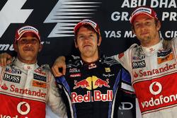 Podium: winnaar Sebastian Vettel, Red Bull Racing, tweede Lewis Hamilton, McLaren, derde Jenson Button, McLaren