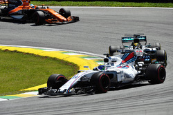 Lewis Hamilton, Mercedes-Benz F1 W08  battles with Felipe Massa, Williams FW40