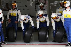 Sauber F1 Team mechanics practice a pit stop