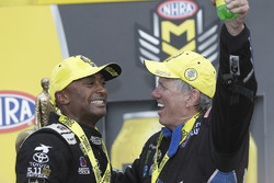 Top Fuel-Sieger Antron Brown und Funny Car-Sieger John Force