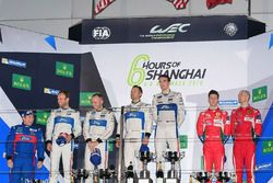 Podium GTE PRO: ganadores #67 Ford Chip Ganassi Racing Team UK Ford GT: Andy Priaulx, Harry Tincknel