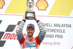Podium: racewinnaar Andrea Dovizioso, Ducati Team